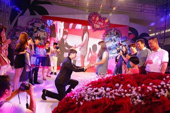 ktv求婚现场布置图片_上演最土豪最浪漫求婚
