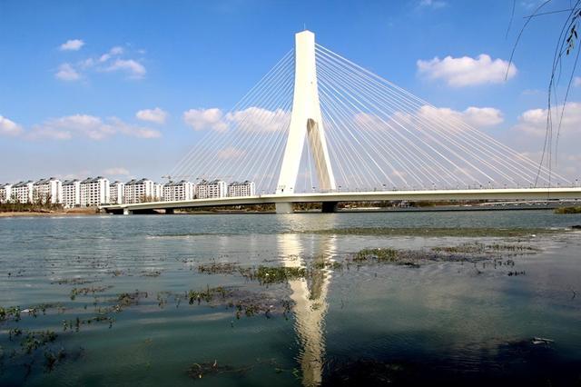 塘桥作为张家港高铁新城的核心地段,沪通铁路,通苏嘉城际铁路,沿江